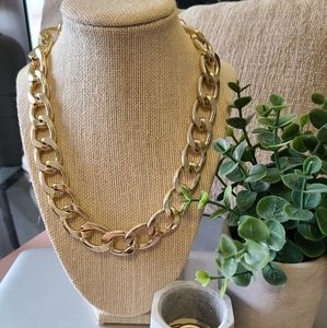 BRAND NEW - Chunky Gold Chain